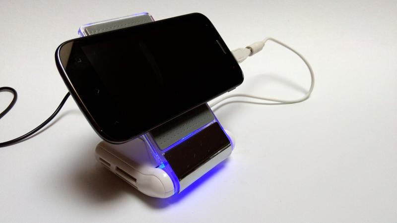Desk Genie   Die Tischladestation mit Extras  Smartphones Review Gadgets  Docking Station 10   Addis Techblog