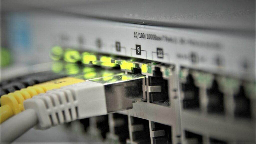 Freies Internet? Sollte es ein Menschenrecht sein?