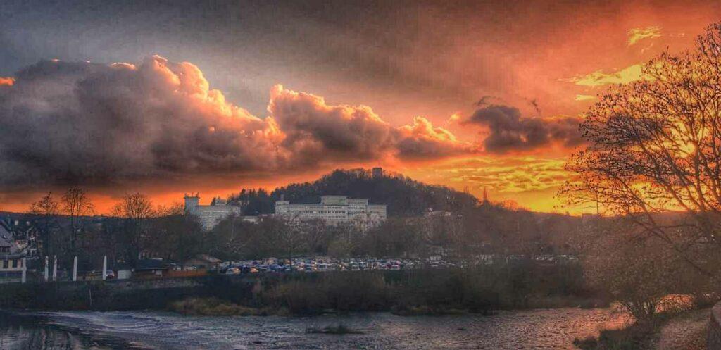 Skyline von Wetzlar bei Sonnenuntergang. Nachbearbeitet mit der Android App Snapseed