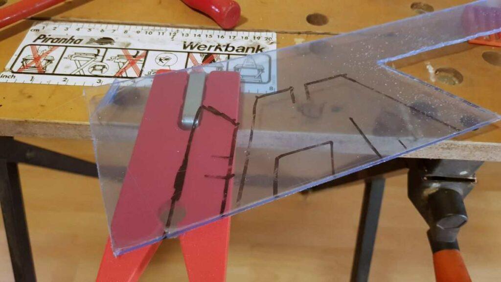 Do it Yourself Smartphone Ständer aus Plexiglas